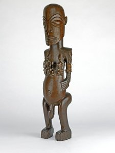 Picture of a carved wood figure from the Cook Islands