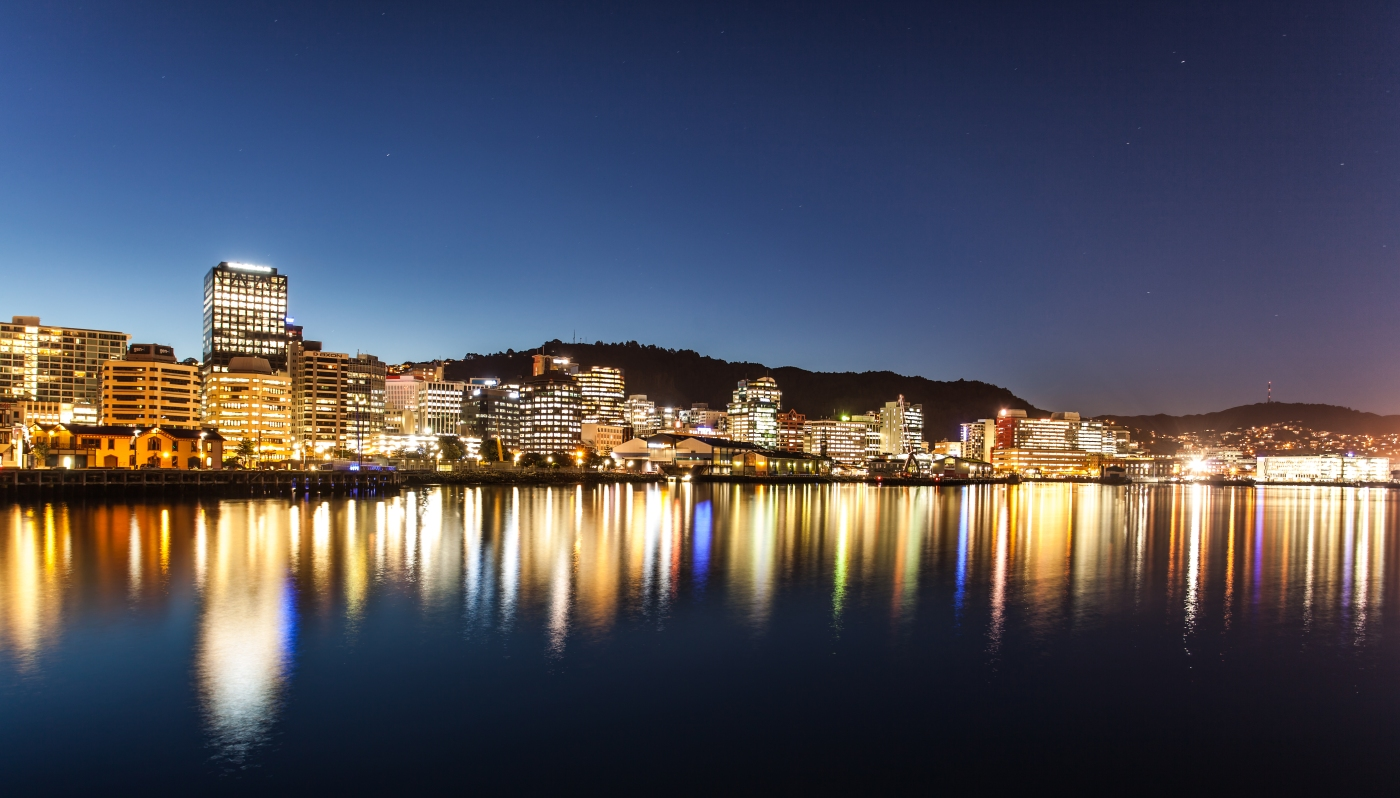 Photot of the Wellington skyline at night